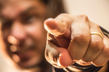 finger-gesturing-hand-1259327
