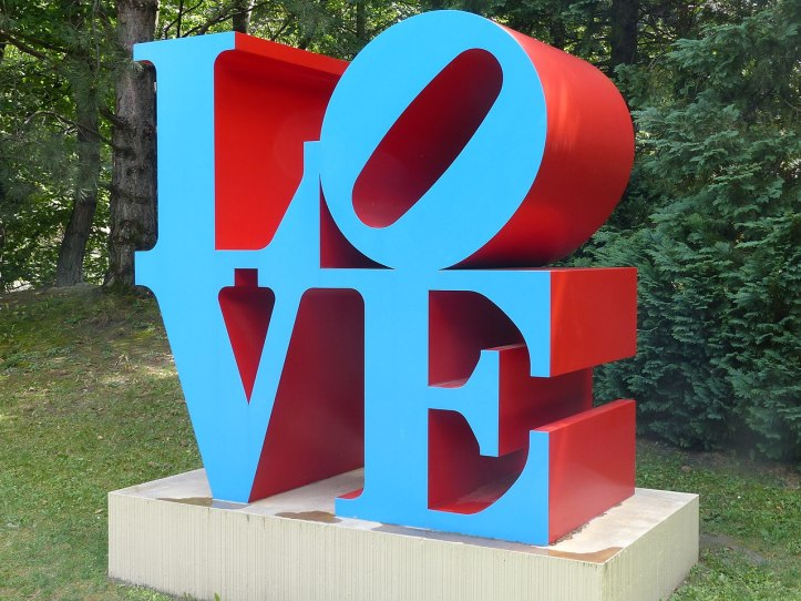 1280px-Robert_Indiana_Love